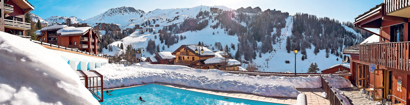 ski-residences-with-swimming-pool