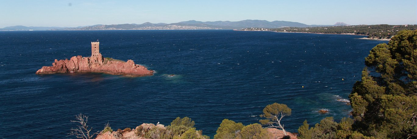 Holiday rentals Cap Esterel