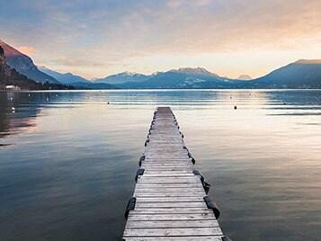 Villages au bord de lac pour les vacances d'hiver