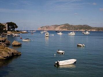 un petit port et un bord de mer pour une idée de week-end